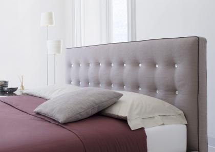 Cama con cabecera acolchada marais berto salotti - Cabeceras de cama acolchadas ...
